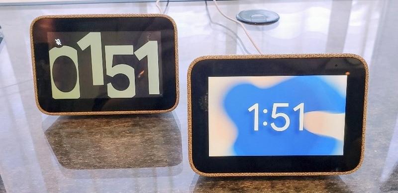 2 Lenovo Smart Clocks